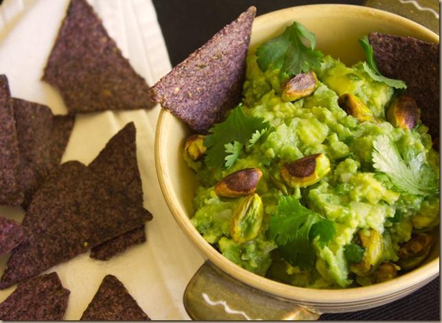 Guac-w-pistachios