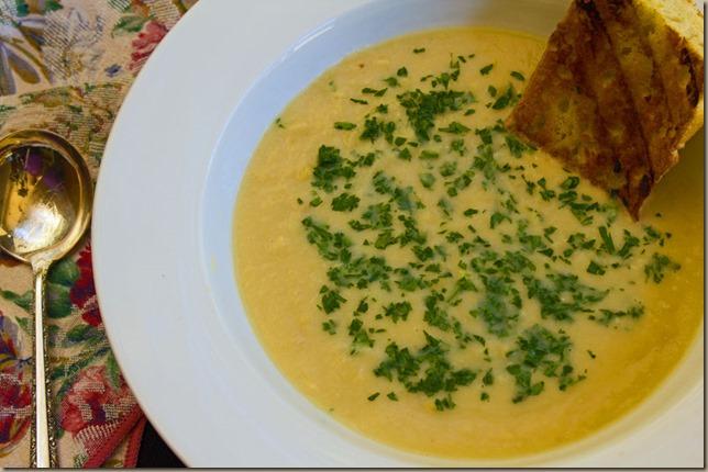 bean-and-Garlic-soup